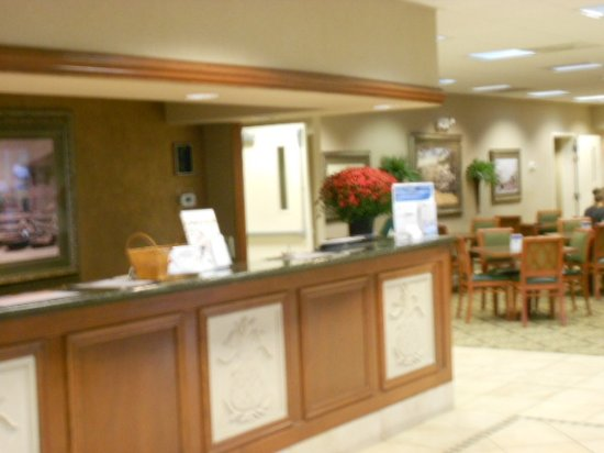 Quality Inn & Suites Georgetown: Main desj at dining area
