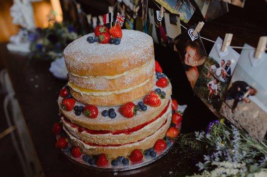 Cafe Adventure: Gluten Free Wedding Cake