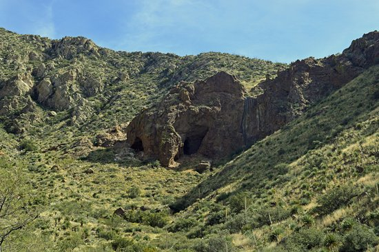 Franklin Mountains State Park: Aztec Caves