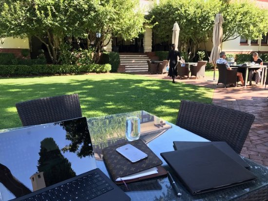 Hyatt Hotel Canberra: The Garden, which serves nibbles and drinks