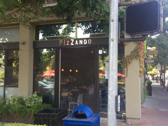 Pizzando: photo0.jpg