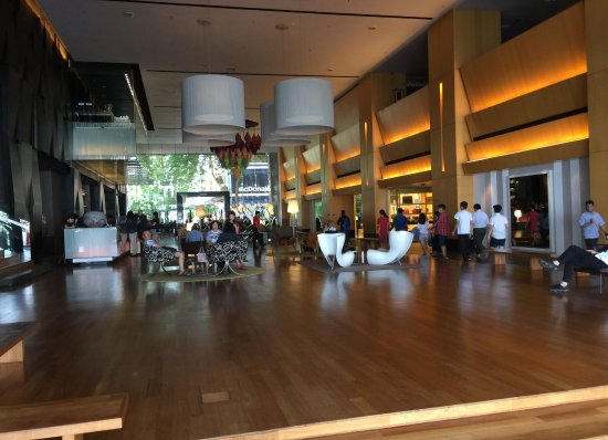 G Hotel Gurney: Spacious Lobby with ample seating