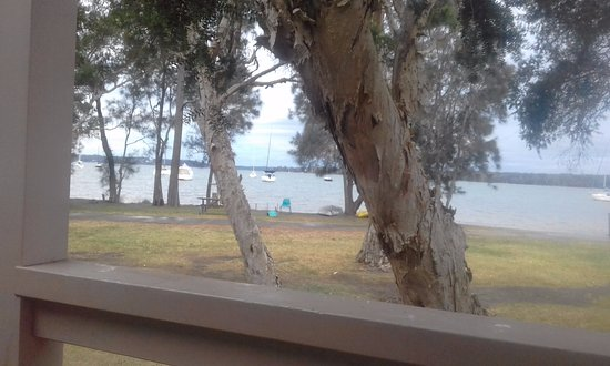 Mannering Park, Australia: Absolute waterfront, from our balcony