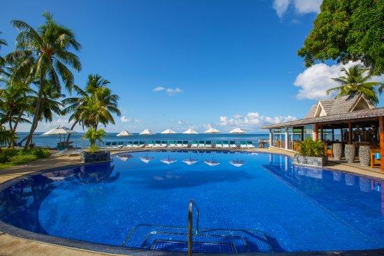 Coco de Mer - Black Parrot Suites: Coco de Mer Pool