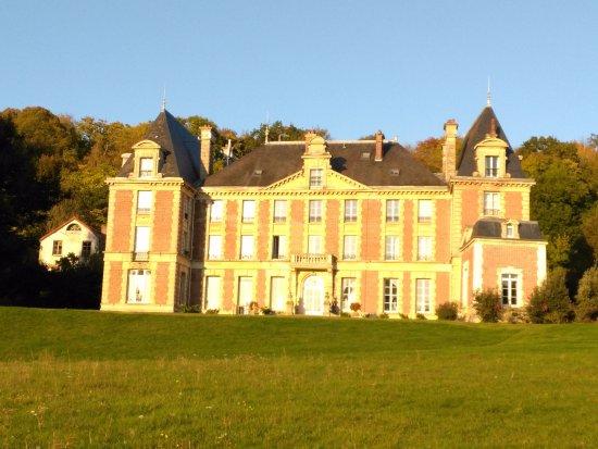 Saint-Cyr-en-Arthies, Francie: vu des jardins