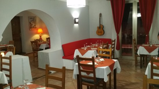 Roquevaire, Frankrike: La guitare a retrouvé sa place