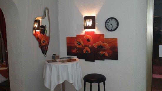 Roquevaire, France : L'accueil