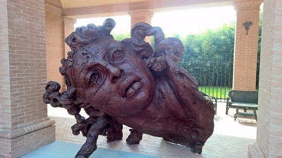 Fontanellato, Italia: Altre piacevoli sculture che si trovano nel percorso artistico