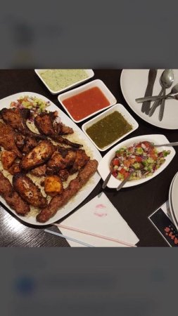 Баркинг, UK: Special Food At Khans Restaurant Barking