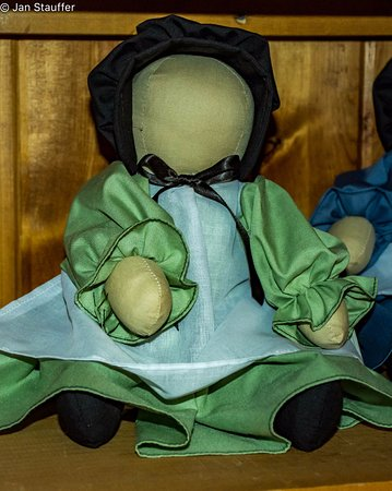 Nappanee, IN: Amish dolls have no faces