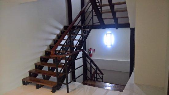 Pak Nam, Thailand: Staircase