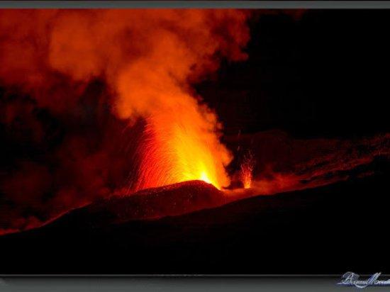La Plaine des Cafres, Reunion Island: eruption piton de la fournaise