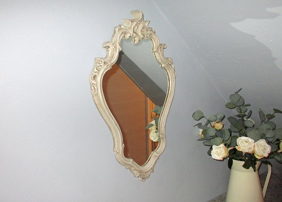 Leyland, UK: Mirror bought for £39