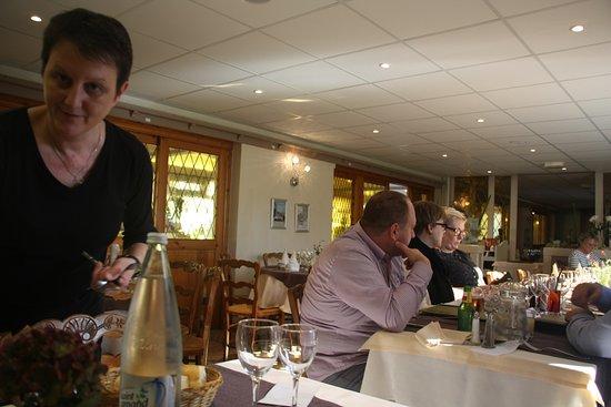 Escalles, France: Bediening
