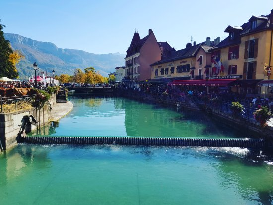 The Flowers Along The Waterways Were Stunning Picture Of La Vieille Ville Annecy Tripadvisor