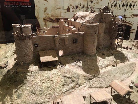 Fuentes de Valdepero, إسبانيا: Maqueta del castillo