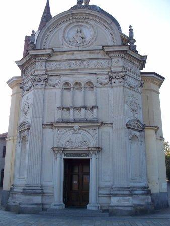 Santuario della Madre della Divina Grazia : facciata