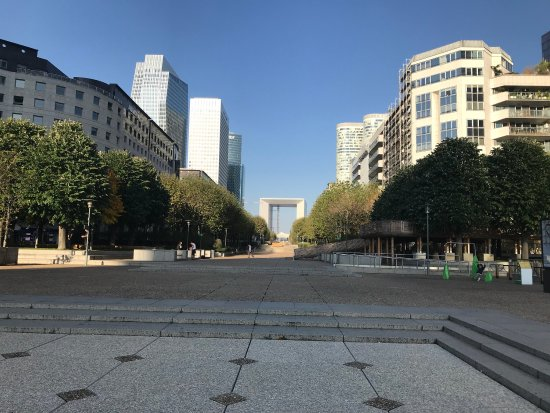 Courbevoie, Francia: photo1.jpg