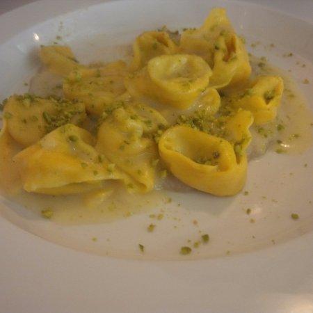 Budrio, อิตาลี: Tortelloni molto buoni