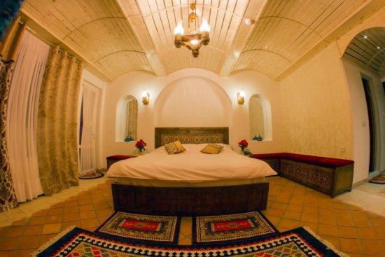 Khansar, إيران: traditional room