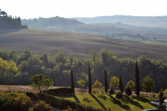 Montisi, Italy: Tuscan hills