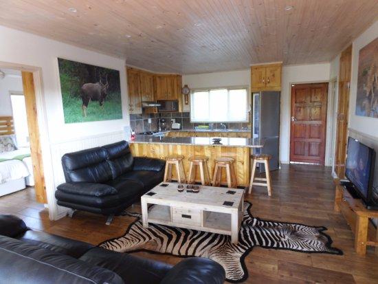 2 bedroom log cabin each room has a private bathroom ...