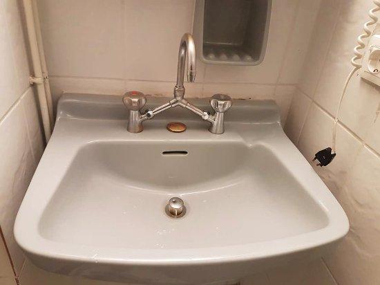 โรงแรมอาเรธูซา: Room 310 - rusty tap