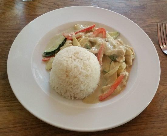 Thai Kitchen: Green Curry with chicken