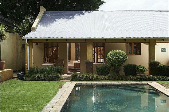 Randburg, South Africa: AAEAAQAAAAAAAAAAAAAAJGRjZjZmZmQxLTA0YWMtNGE3OS1iMzdhLTEyN2I2OGE1NGEzNQ_large.jpg