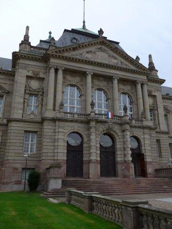 Colmar, Cour d\'appel, back facade facing Château d\'eau Garden ...