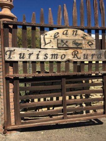 Cesaro, Italy: Ingresso del Turismo Rurale Leanza