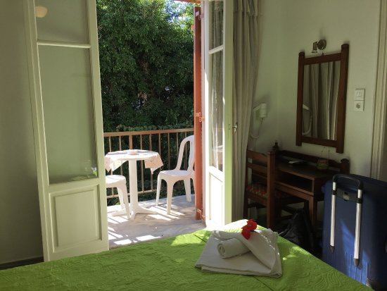 Marisa Rooms: photo1.jpg