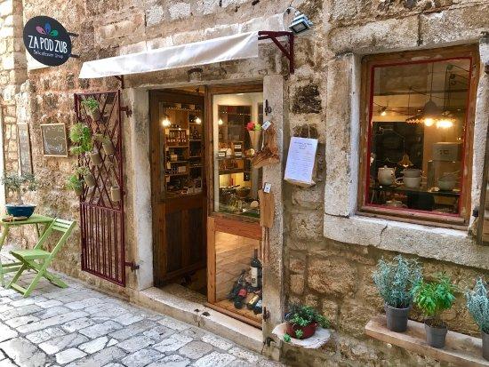 Stari Grad, Kroasia: Za pod zub, delicatessen shop