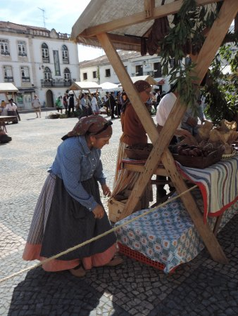 Batalha, Portugal: Batlaho farmers-fair 1 - Figs