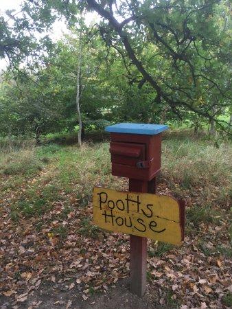Elstree, UK: Pooh's House Letter Box