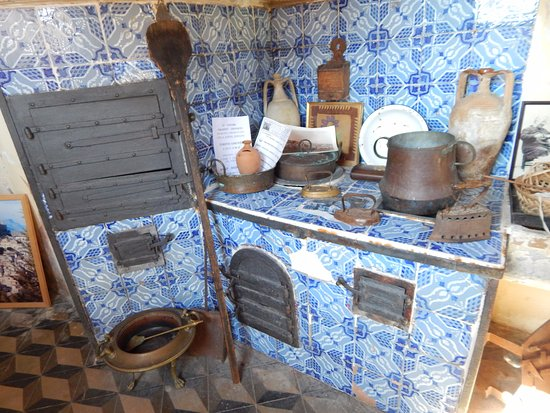 Cucina antica - Foto di La Bottega nella Roccia, Caccamo ...