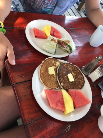 Bananarama Dive & Beach Resort: An example of the delicious complimentary breakfast served to hotel guests.