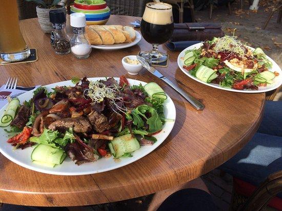 Dinee-Cafe Veertien: photo1.jpg