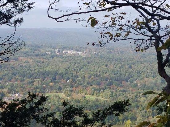 Simsbury, CT: Looking west toward Canton