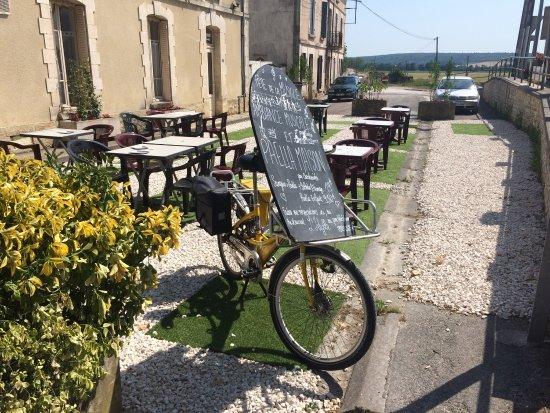 Ravieres, Frankreich: L'Idylle