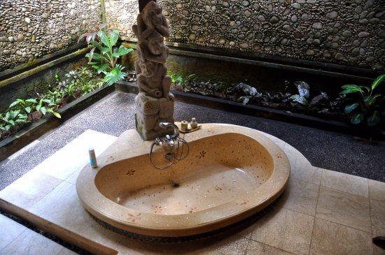 ปิตา มาฮา รีสอร์ท แอนด์ สปา: Ванная