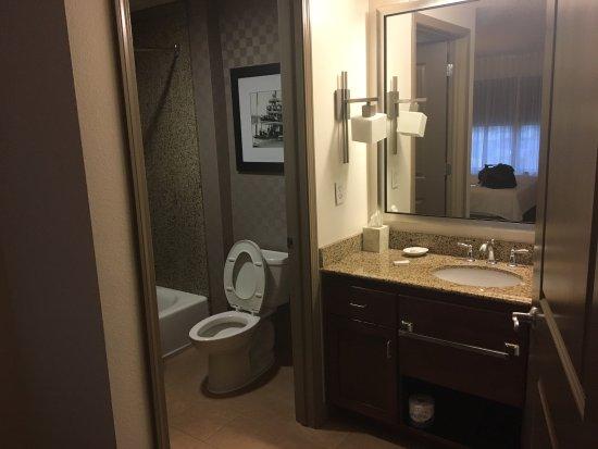 Plymouth, MN: barhroom #1