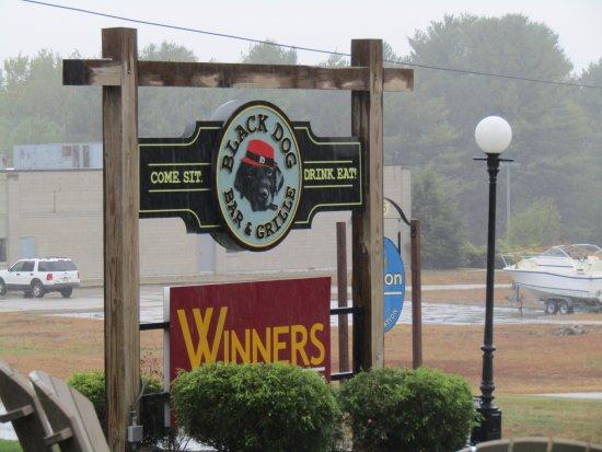 Putnam, CT: Sign at Restaurant