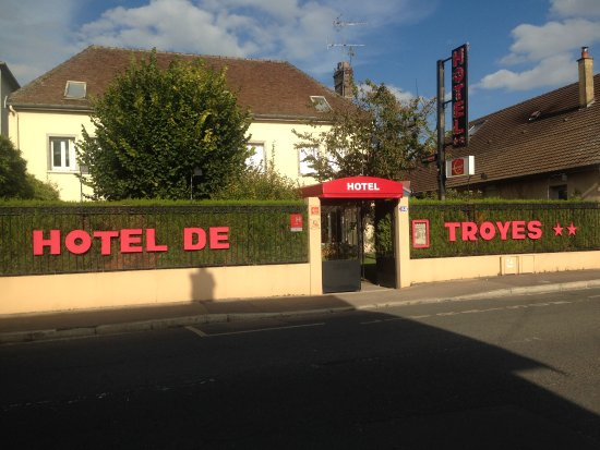 Hotel de troyes updated 2017 reviews price comparison for Hotels troyes