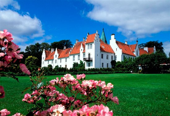 Skania, Szwecja: Pałac Bosjökloster, fot. Birger Lallo
