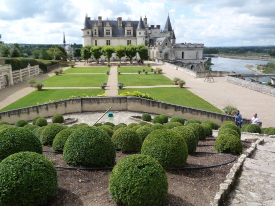 แอมบอยซี, ฝรั่งเศส: garden shot