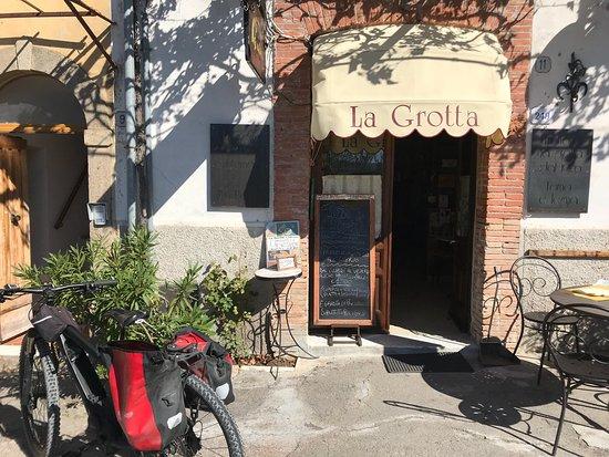 Roccalbegna, إيطاليا: photo0.jpg