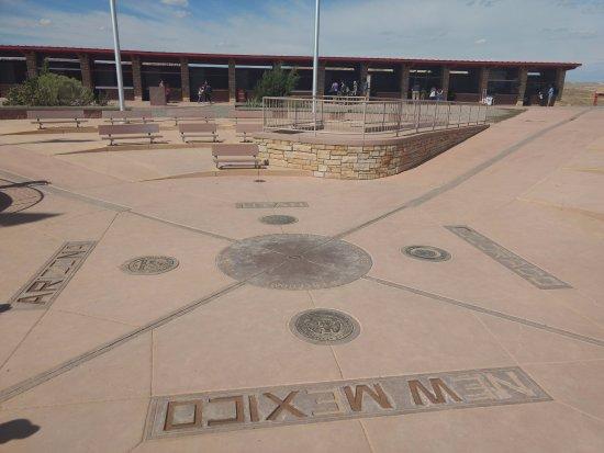 Teec Nos Pos, AZ: The official four corners