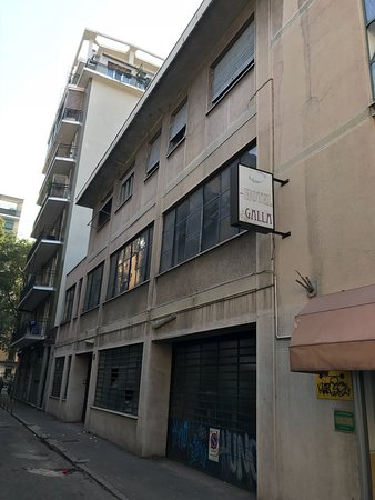 Hostel Galla: Squallido