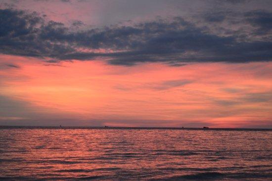 Mango Bay Resort: Sunset